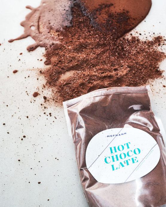 Comprar chocolate a la taza en polvo.